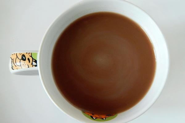 Kokosowo-karobowy napój - zdrowsza wersja kakao