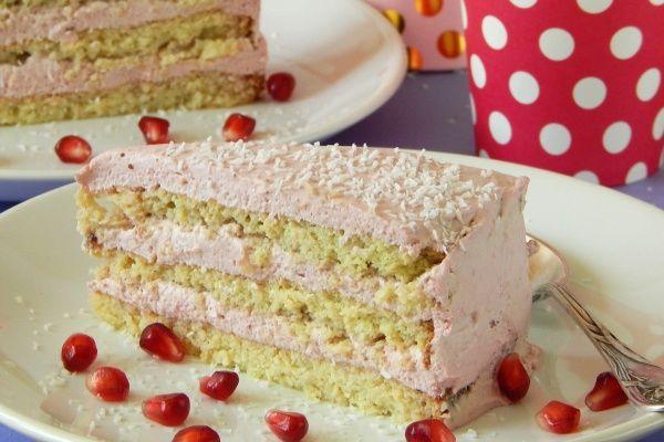 Tort kokosowo-malinowy, bez cukru i glutenu
