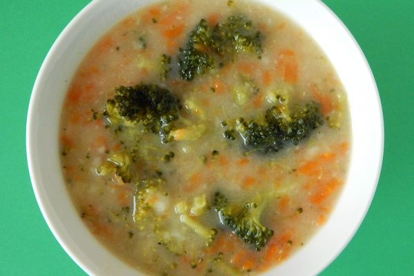 Zupa brokułowa z jarzynami